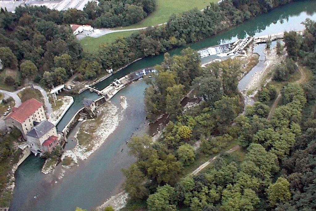 Vue aérienne du barrage et de la micro-centrale électrique
